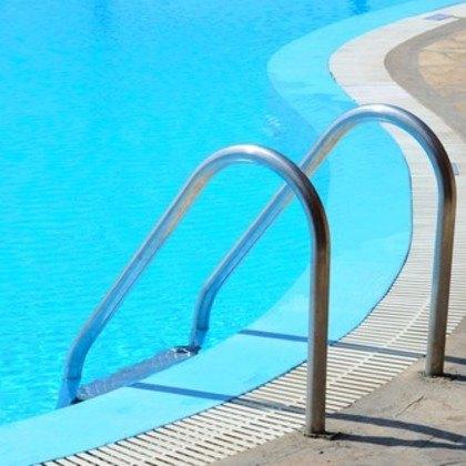 Top spezialisten f r pools in berchtesgadener land fixando - Abgeplatzte fliesen reparieren ...