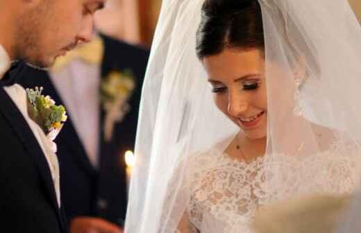Zelebrant für eine katholische Hochzeit - Gelübde