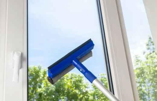 Fensterreinigung - Ausputzen