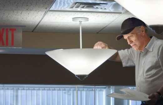 Lampeninstallation - Gehrung
