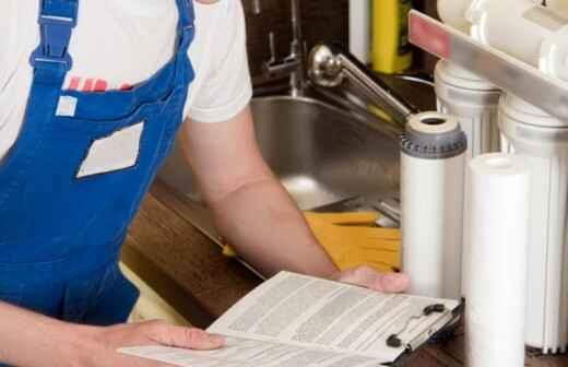 Wasseraufbereitung reparieren oder warten - Wasser
