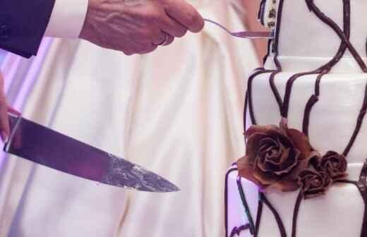Hochzeitstorten (Konditorei) - Offiziant
