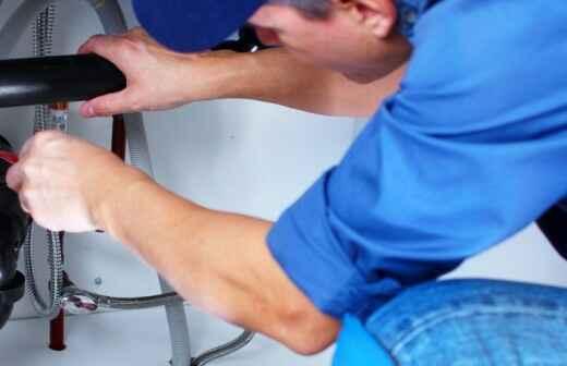 Rohrleitungen reparieren - Abspritzen