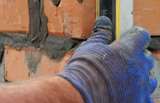 Mauerwerk reparieren und ausbessern - Ausfugung