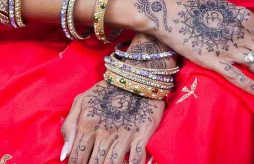 Henna-Tattoos für die Hochzeit - Blumensträuße