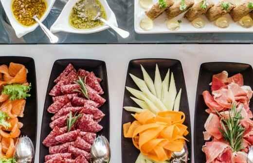 Catering Service für Firmenessen (Mittagessen) - Friteuse