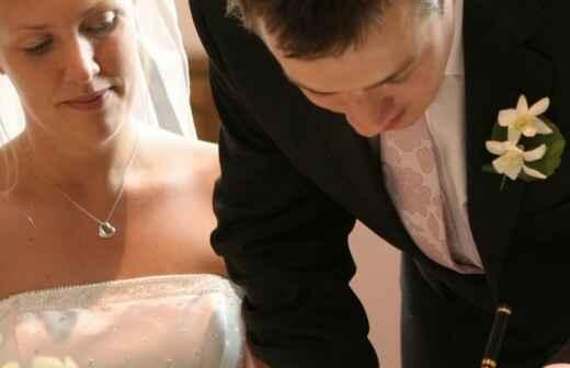 Zelebrant für eine Hochzeit - Bibel