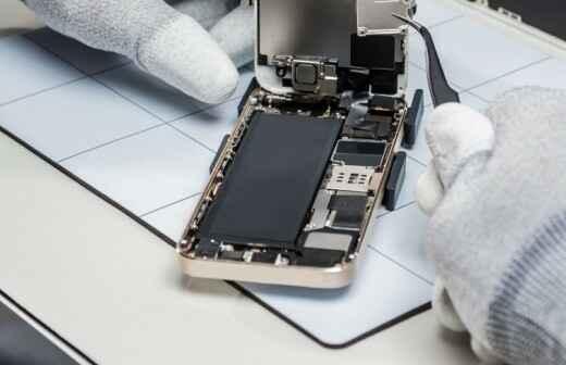 Telefon oder Tablet-Reparatur - Aufschließen