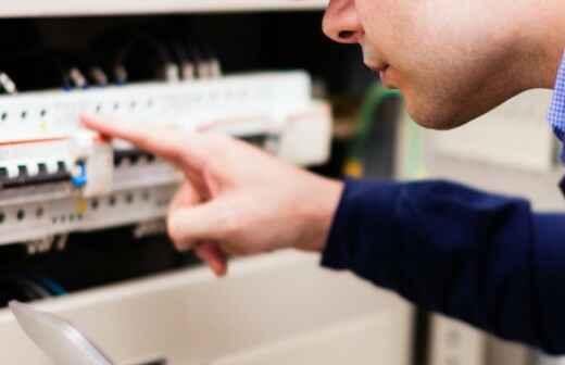 Installation des Sicherungs- oder Verteilerkastens - Neuverkabelung