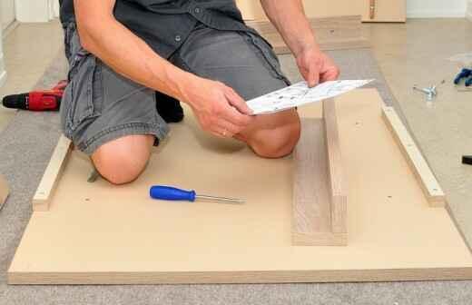 Schreibtisch montieren - Gebaut
