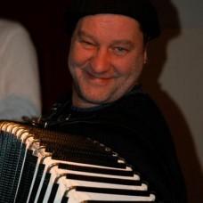 Theo Degler Piano und Akkordeon Unterricht - Fixando Deutschland