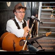 Andreas Thust - Guitar & Voice - Fixando Deutschland