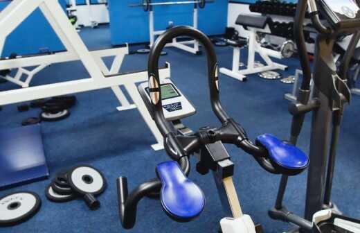 Fitnessgeräte montieren - Bereit