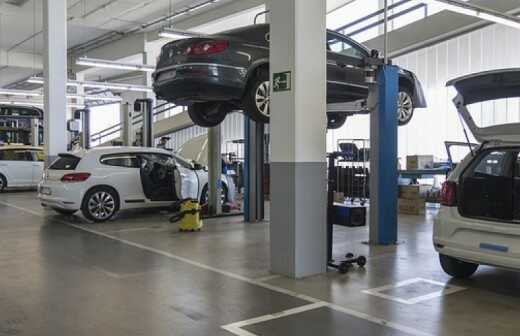 Autowerkstatt - Mechaniker