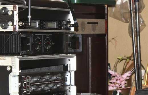 AV-Geräte für Veranstaltungen mieten - Bühne