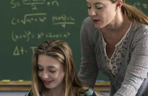 Nachhilfe in Mathematik der Mittelstufe / Realschule (Klasse 6-8) - Haus