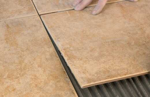 Stein- oder Fliesenboden verlegen - Pflasterstein
