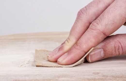 Schrank nachbessern / neu lackieren - Holzbauteile