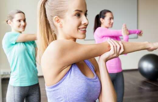 Privates Fitnesstraining (für eine Gruppe) - Stehen