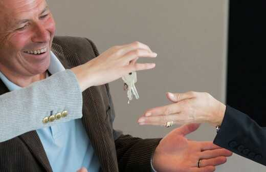 Immobilienmakler - Verpächter