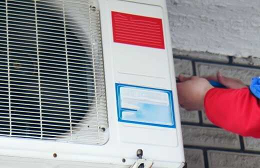 Zentrale Klimaanlage reparieren - Reinigung