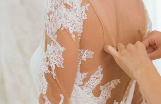 Brautkleid ändern lassen - Hüte