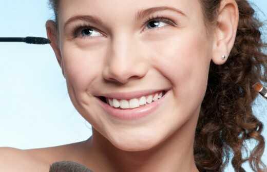 Make-up für einen Ball - Frisur