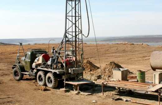 Brunnen bauen - Bagger