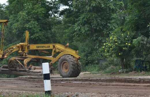 Gelände planieren oder einebnen - Kleine Fläche (weniger als 1 Acker) - Nicht Zerstörung