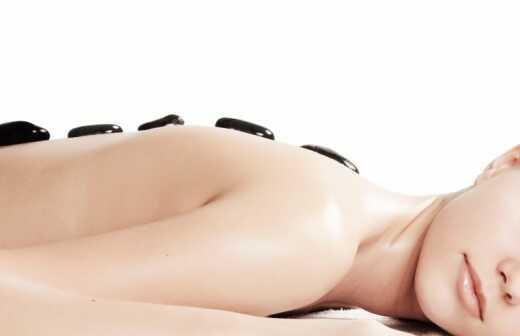 Hot Stone Massage - Lipo