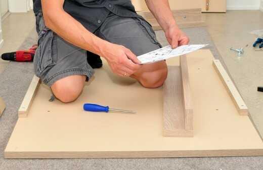 Schreibtisch montieren - Ikea