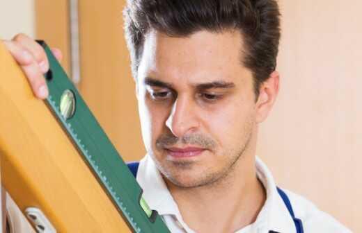 Treppe und Treppenhaus reparieren - Holz