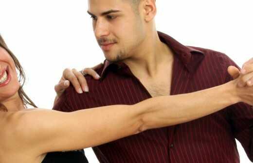 Private Salsa-Tanzstunden (Einzelpersonen oder Gruppen) - Samba