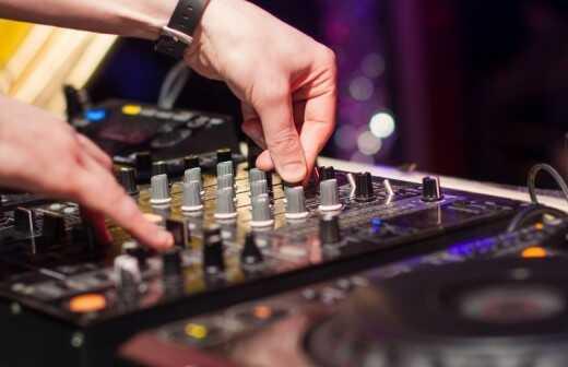 Bar oder Bat-Mizwa-DJ - Mikrofon