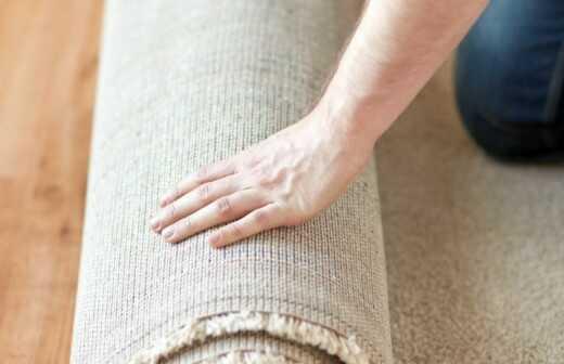 Teppich verlegen - Schicht