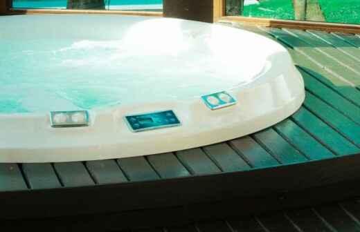Instalación de jacuzzis y spa - Nadando