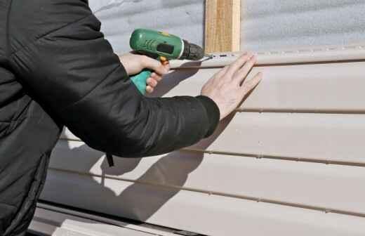 Instalación, reparación o eliminación de revestimientos - Tablero