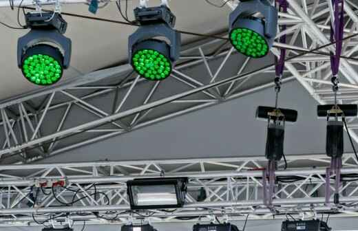Alquiler de equipos de iluminación para eventos - Escenario