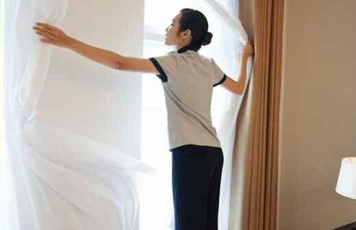 Limpieza de cortinas - Ayudante
