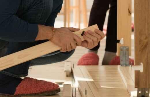 Montaje de equipamientos o muebles de exteriores