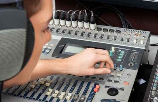 Alquiler de equipos de sonido para eventos - Etiqueta