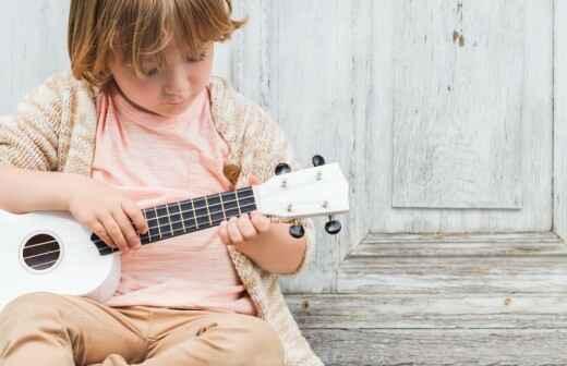 Clases de ukelele (para niños y adolescentes)
