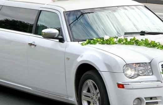 Wedding Limousine Rental - Chauffeur