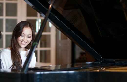 Piano Lessons (for children or teenagers)