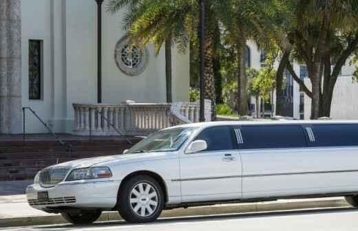 SUV Limousine Rental - Chauffeur