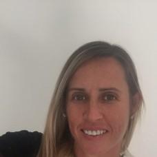 Júlia - Babysitting - Faro