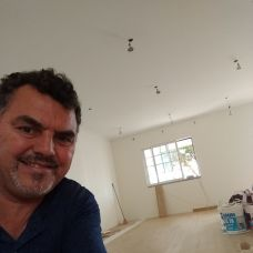 G.m.dias construções e remodelações ltda - Carpintaria Geral - Corroios