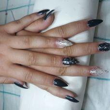 Carinails - Manicure e Pedicure (para Mulheres) - Set??bal (S??o Juli??o, Nossa Senhora da Anunciada e Santa Maria da Gra??a)