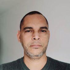 Hossein Albert - Design Gráfico - Coimbra
