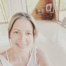 Jacqueline Rodrigues - Selfcare.Therapies -  anos